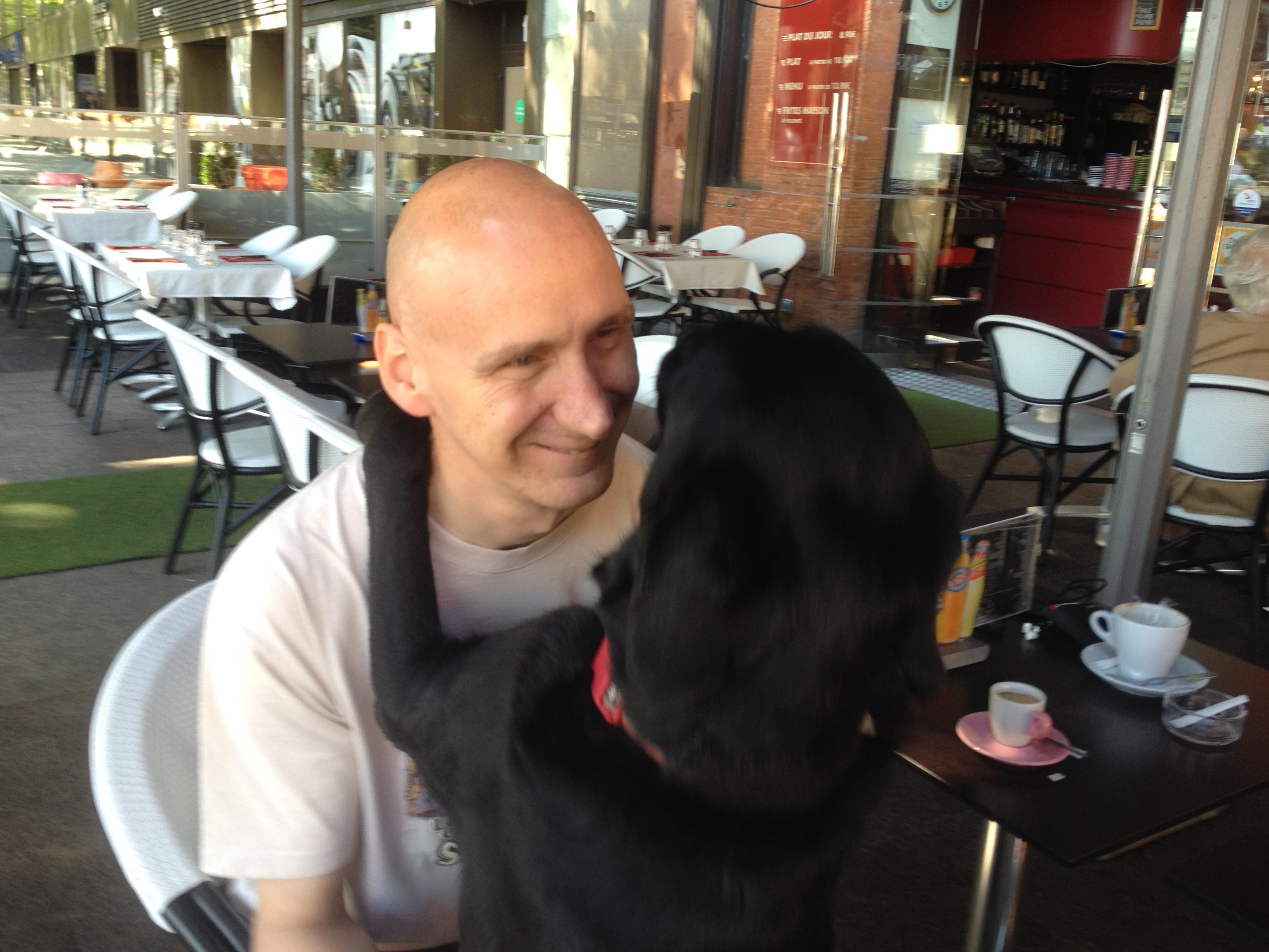 Un maître et son chien-guide, comment ça marche ?